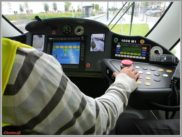 http://i22.servimg.com/u/f22/09/02/90/60/tram_010.jpg