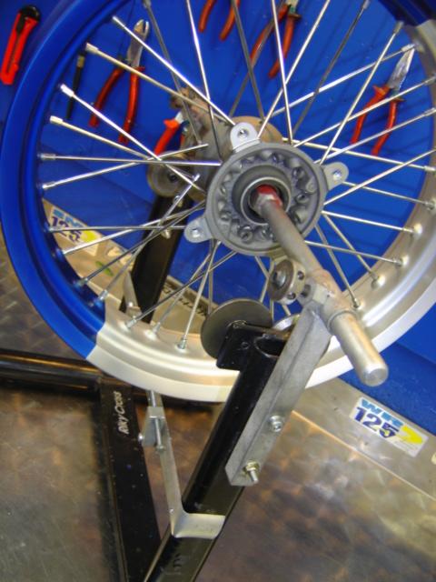 rayonnage de roue moto