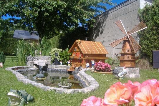 Jardin d co jardin les plus beaux bassins for Moulin en bois pour jardin