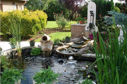 Jardin d co jardin les plus beaux bassins for Pompe pour mare