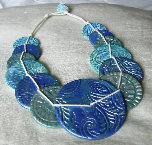 Collier Bleu des mers du sud... dans scrapbijou sa400029
