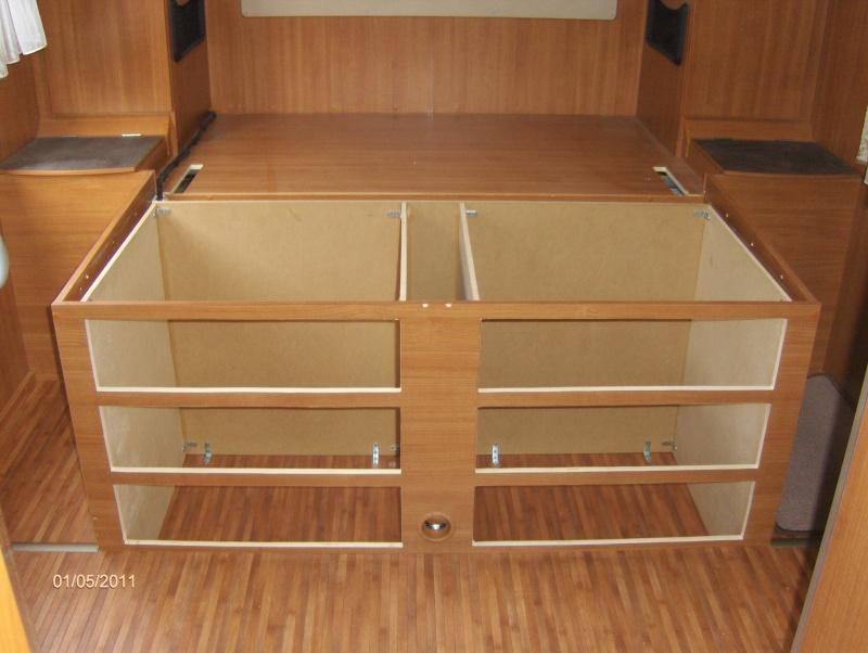 coffre bout de lit ikea trouvez le meilleur prix sur. Black Bedroom Furniture Sets. Home Design Ideas