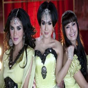 Krisdayanti, Yuni Shara & Iis Dahlia - Nurlela
